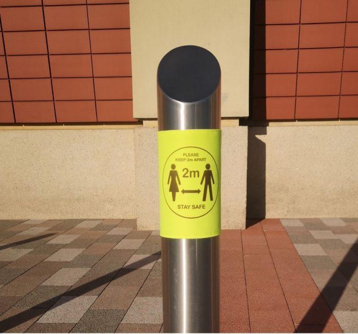 Bollard safey sign